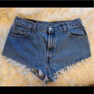 Levi Cutoff Jean Shorts